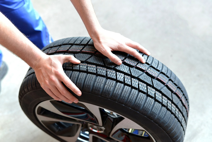 Warning Signs of Low Tire Pressure